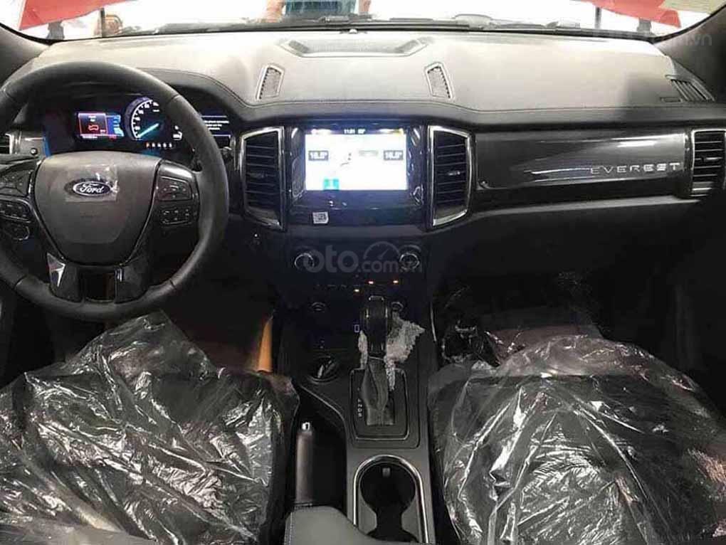 [Fordeverest.com.vn] Ford Everest Titanium 4x2 AT giảm giá đặc biệt, tri ân khách hàng tặng ngàn phụ kiện (5)