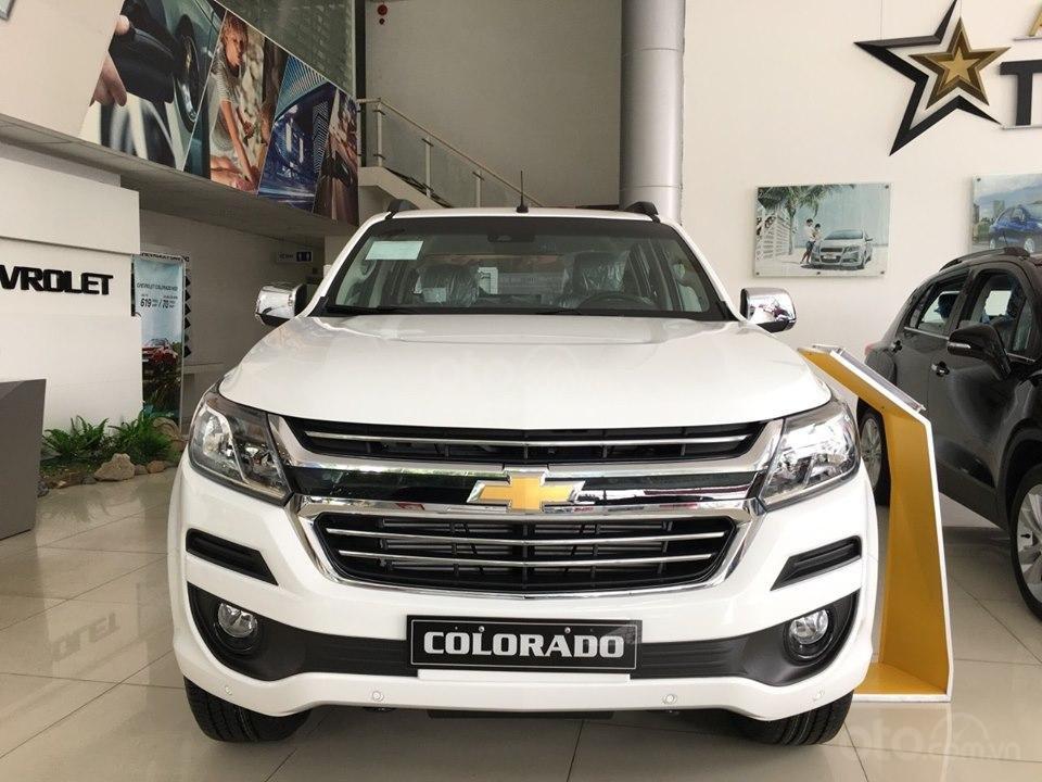 Xe bán tải Chevrolet Colorado LTZ MY19, màu trắng, xe nhập, giao ngay, ưu đãi sốc tháng 11, LH 0962.951.192 (1)