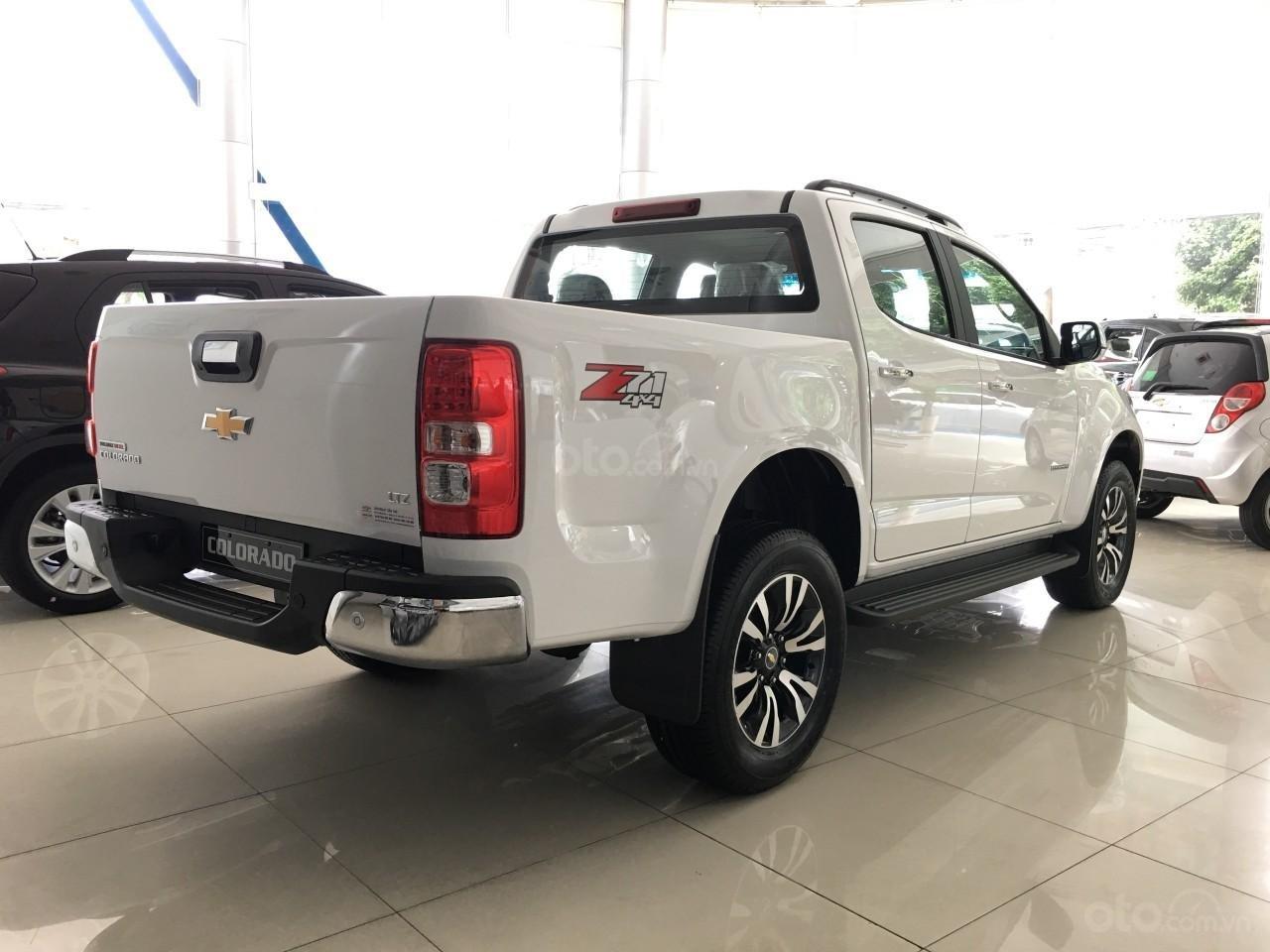 Xe bán tải Chevrolet Colorado LTZ MY19, màu trắng, xe nhập, giao ngay, ưu đãi sốc tháng 11, LH 0962.951.192 (4)