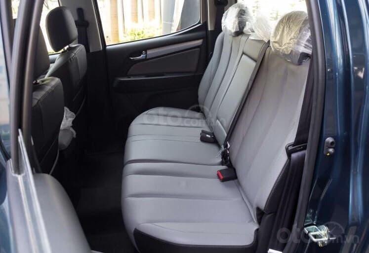 Xe bán tải Chevrolet Colorado LTZ MY19, màu trắng, xe nhập, giao ngay, ưu đãi sốc tháng 11, LH 0962.951.192 (9)
