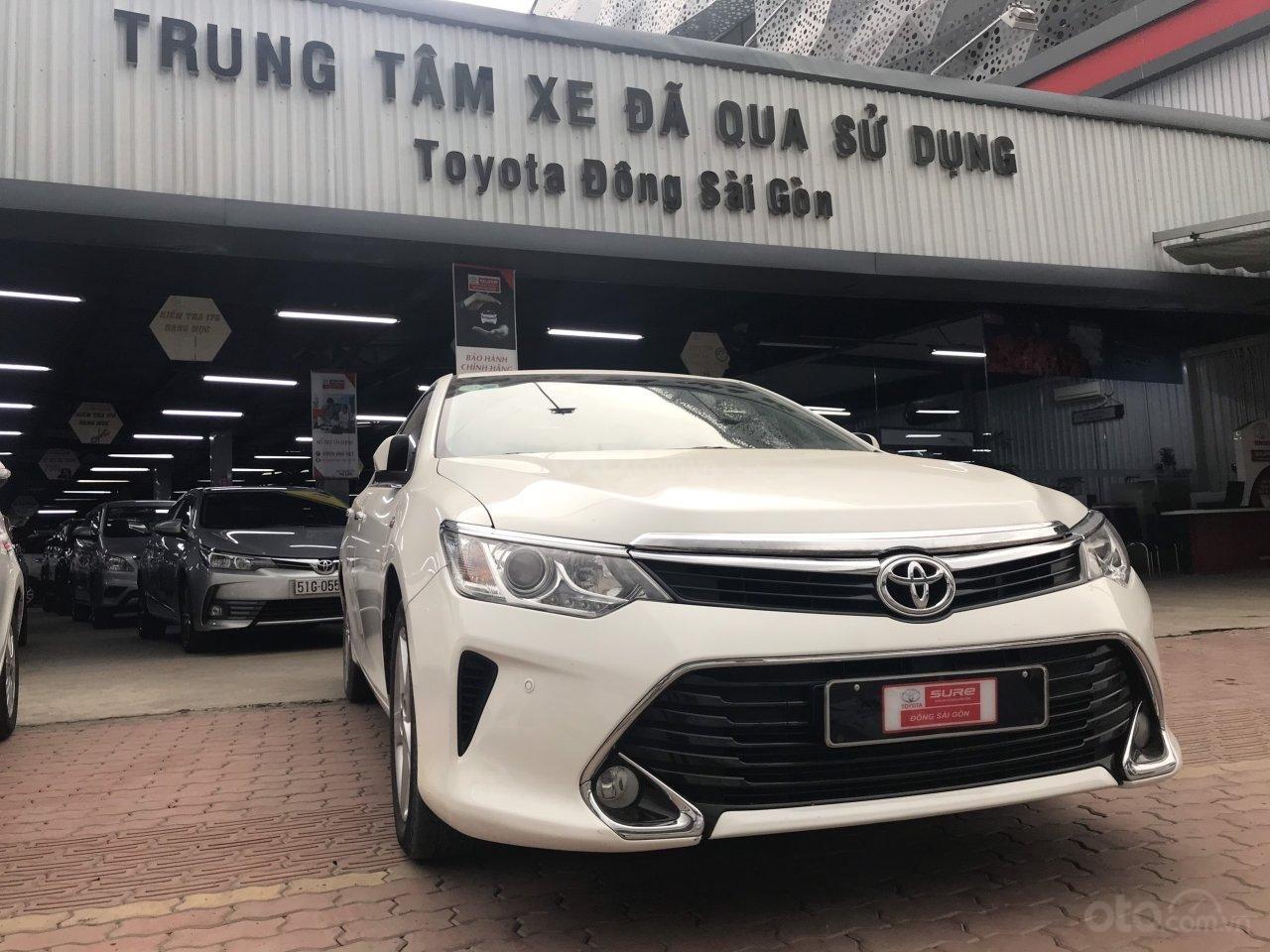 Bán ô tô Toyota Camry 2.5Q sản xuất 2017, màu trắng (1)