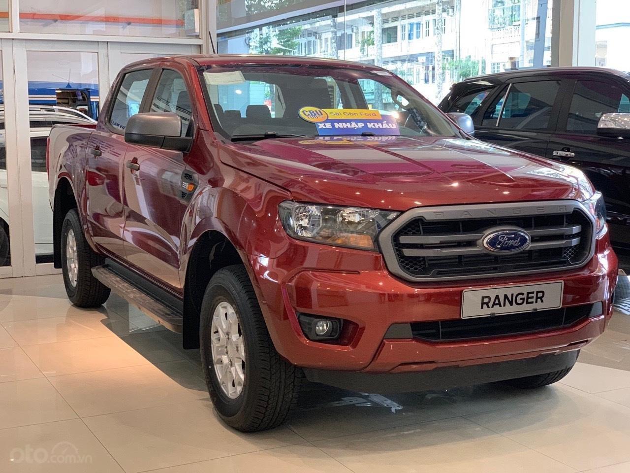Ford Ranger XLS khuyến mãi lớn trong tháng và tặng phụ kiện (2)