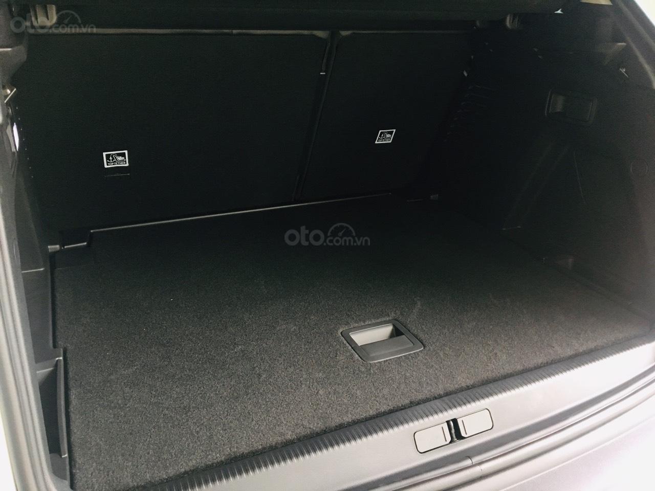 Cần bán Peugeot 5008 2019, màu đen, 430 triệu nhận xe (7)