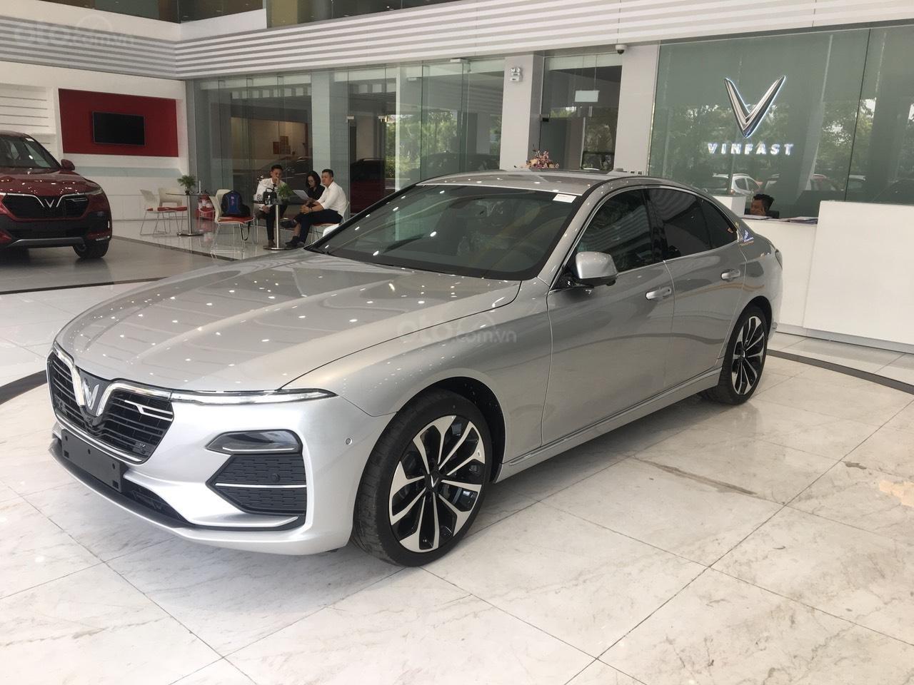 Bán xe VinFast LUX A2.0 full-Da Nappa Nâu 2019, màu bạc 0911234775 em Long (9)