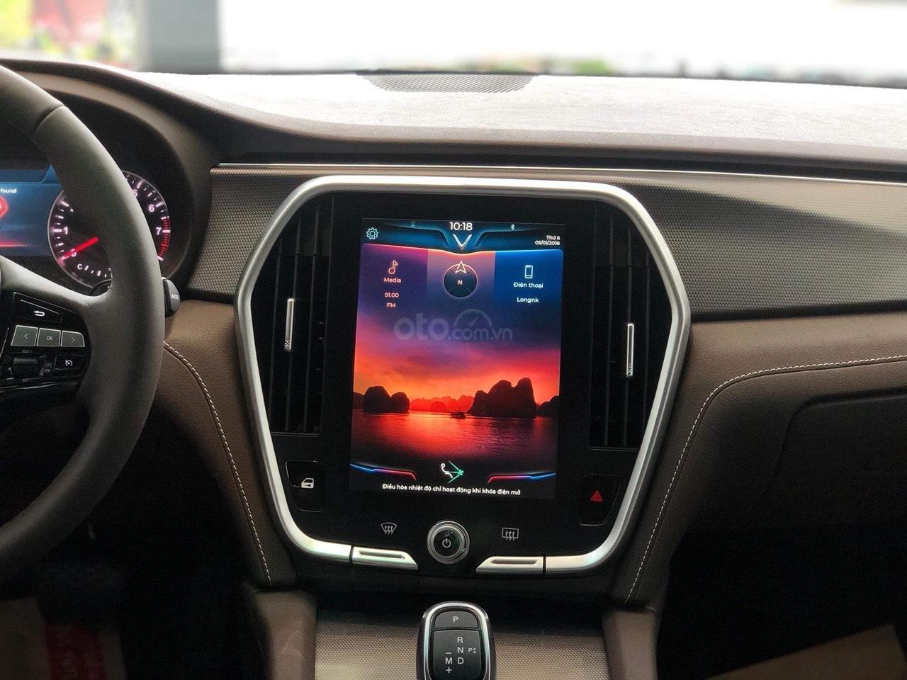 Bán xe VinFast LUX A2.0 full-Da Nappa Nâu 2019, màu bạc 0911234775 em Long (5)