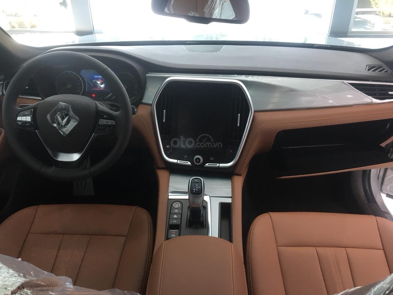 Bán xe VinFast LUX A2.0 full-Da Nappa Nâu 2019, màu bạc 0911234775 em Long (13)
