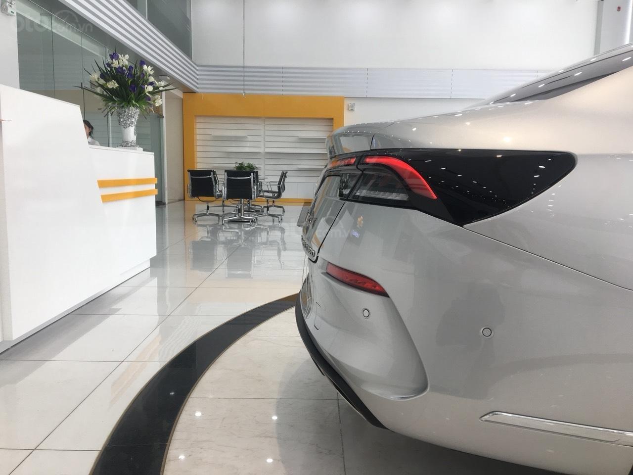 Bán xe VinFast LUX A2.0 full-Da Nappa Nâu 2019, màu bạc 0911234775 em Long (11)