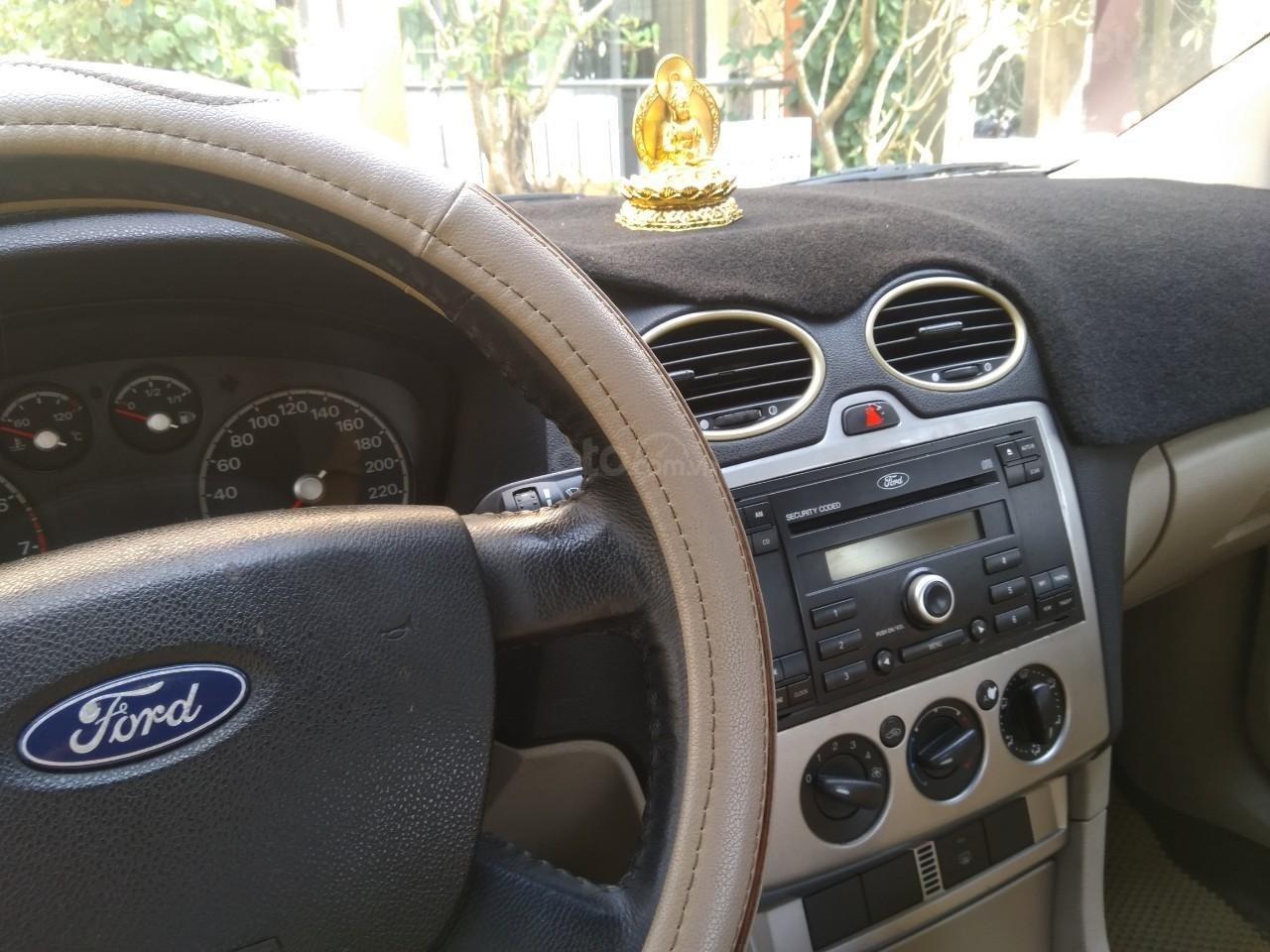 Cần bán Ford Focus sản xuất năm 2007, màu đen (3)