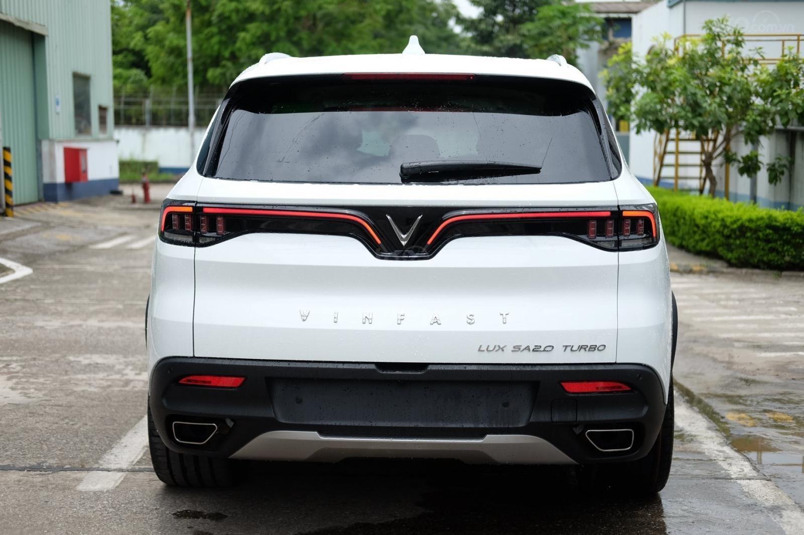 0911234775 bán VinFast LUX SA2.0 full- Da Nappa Be sản xuất năm 2019, màu trắng (4)