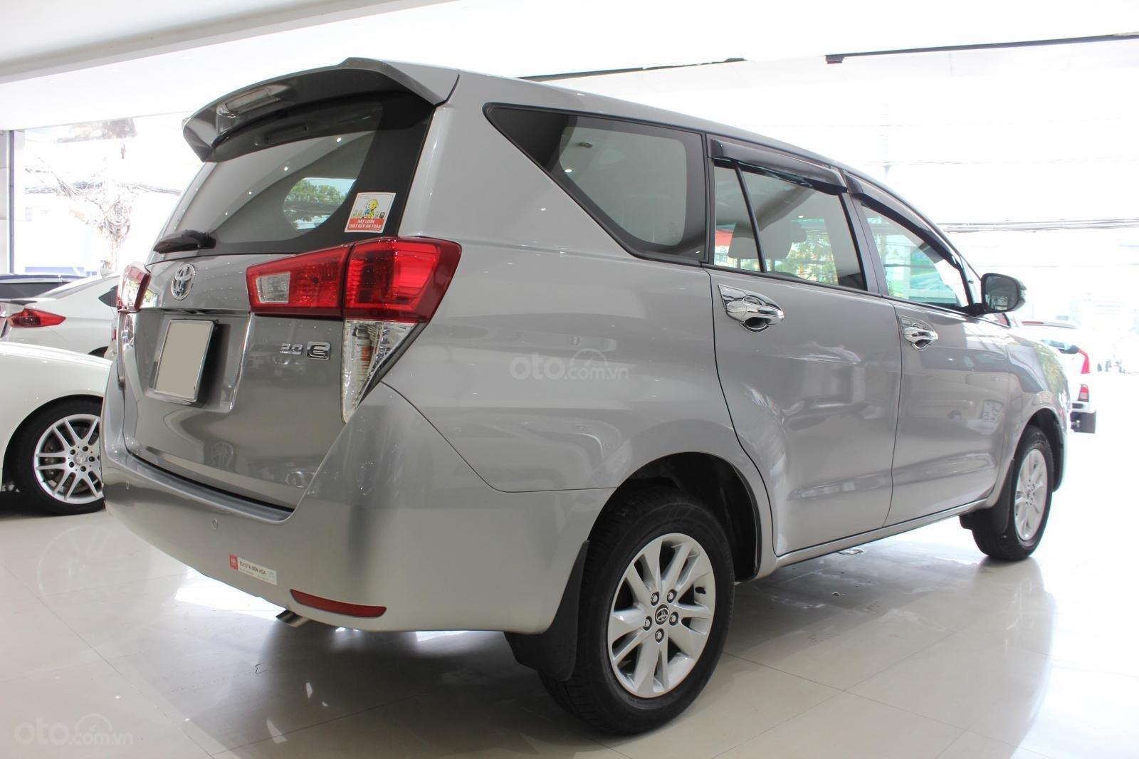 Bán Toyota Innova E 2.0MT SX 2019, lướt 15000km, màu bạc, bản 6 túi khí, giá TL (6)