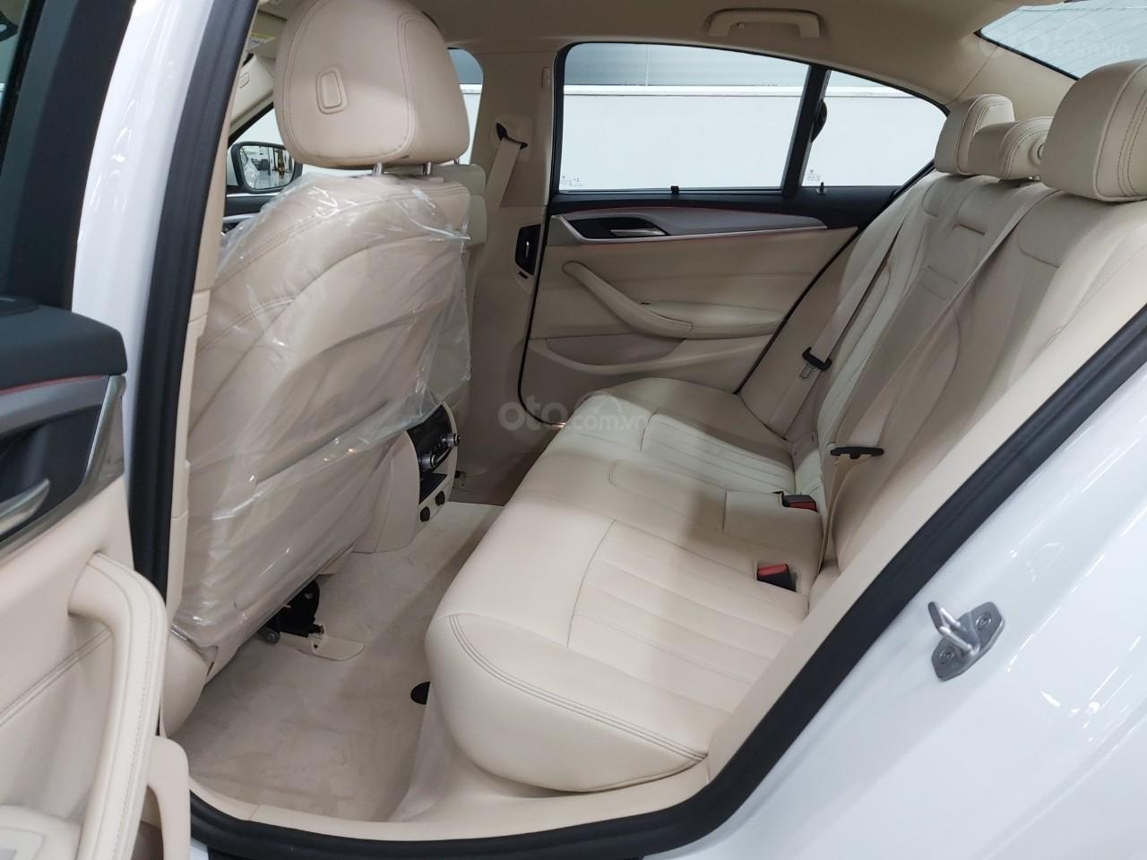 Bán BMW 520i giảm ngay 230 triệu - xe nhập chính hãng (4)