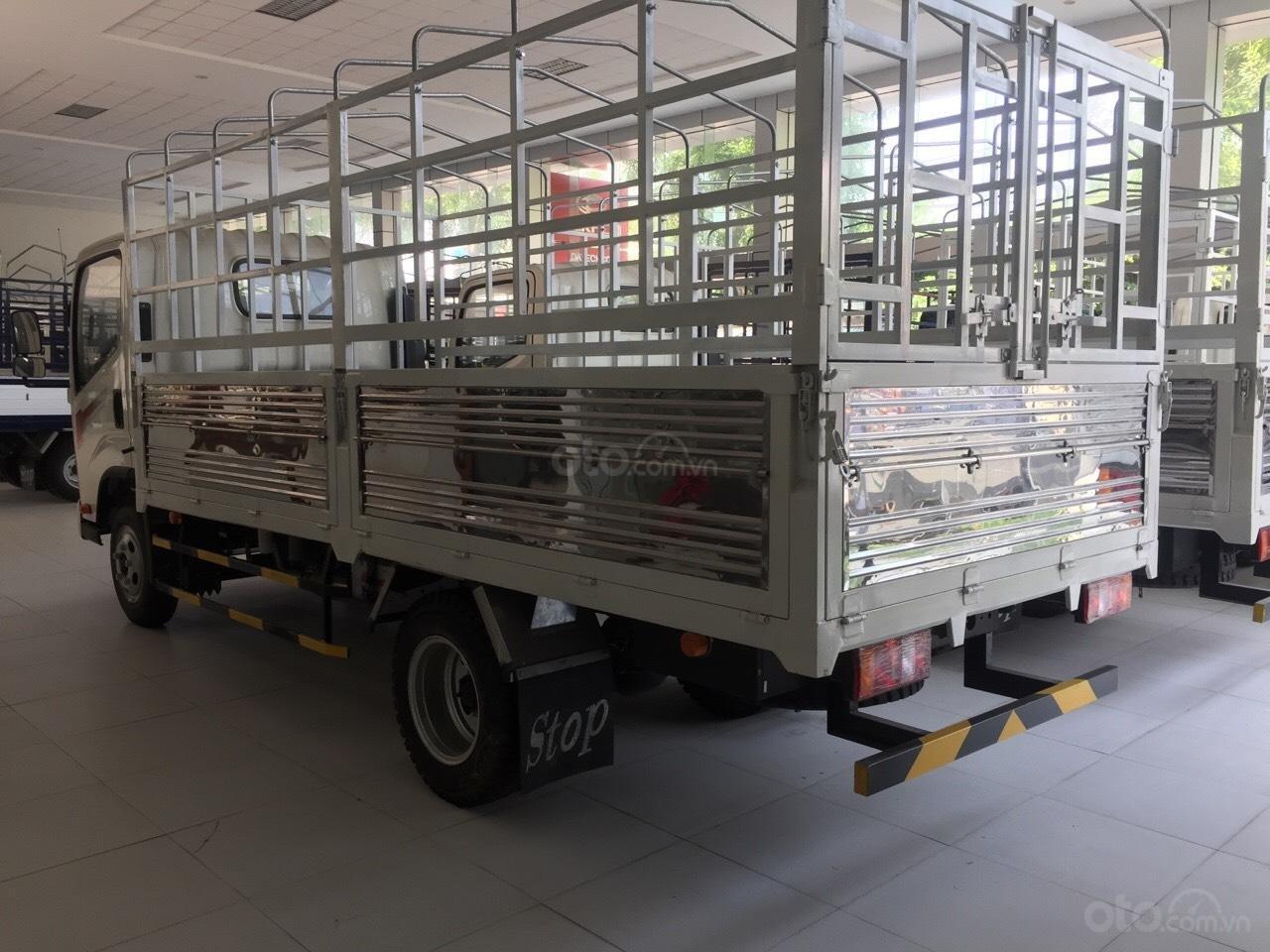 Bán Isuzu N-L thùng 4m3 mới 100% năm sản xuất 2018, màu trắng, giá tốt (5)