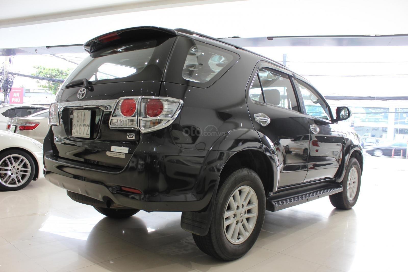 Bán xe Toyota Fortuner 2.5G MT đời 2012, máy dầu, màu đen, biển SG, xe đẹp (3)