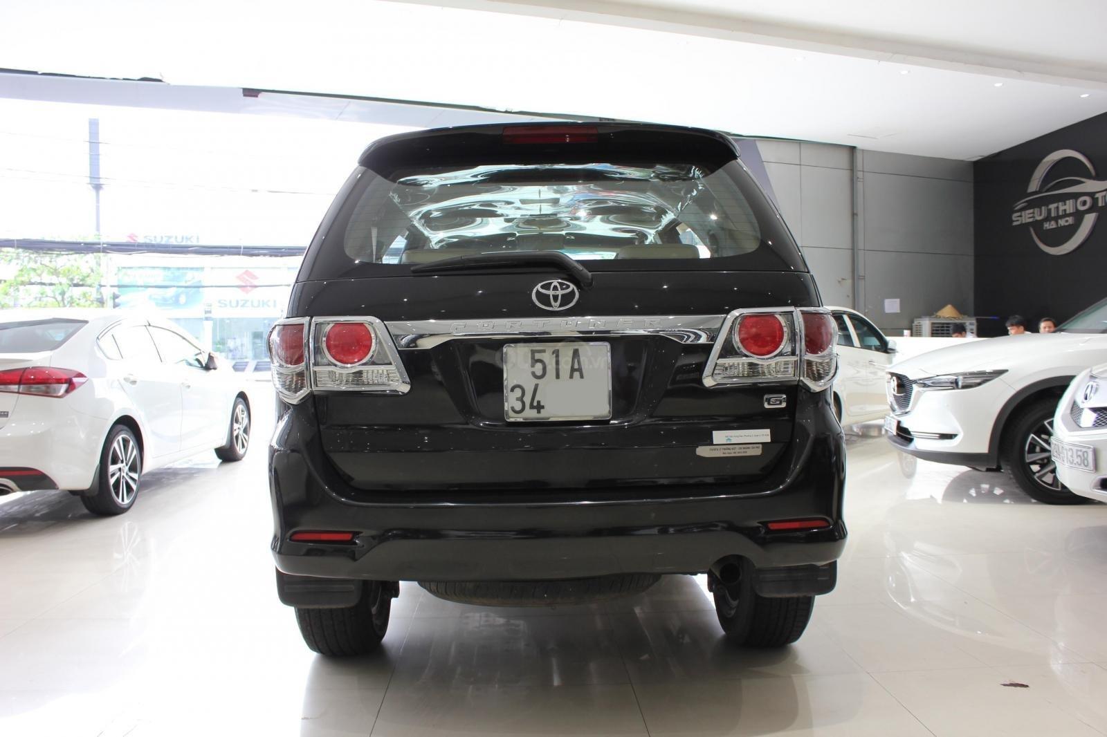 Bán xe Toyota Fortuner 2.5G MT đời 2012, máy dầu, màu đen, biển SG, xe đẹp (4)