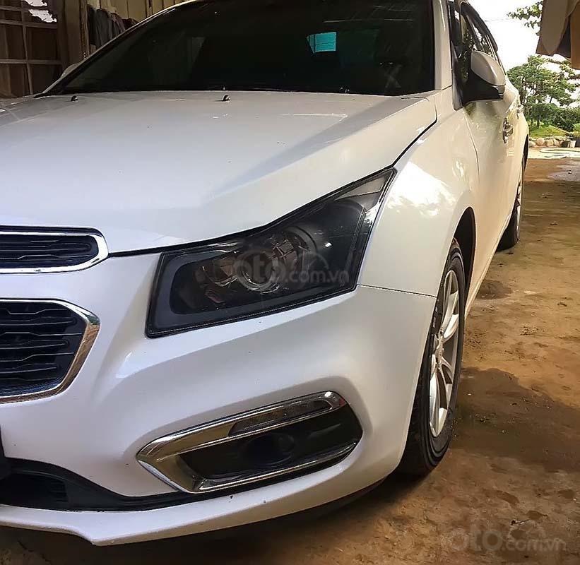 Bán Chevrolet Cruze năm 2016, màu trắng, 420tr (3)