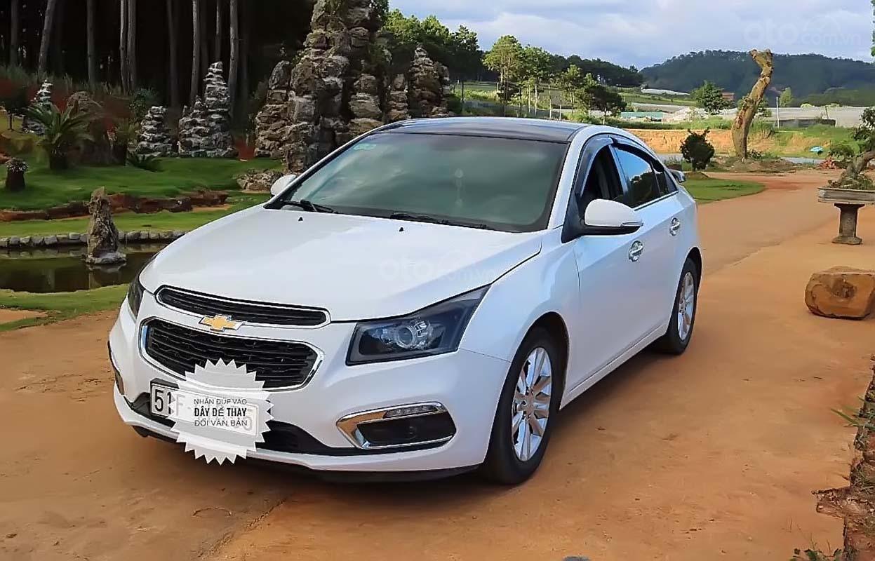 Bán Chevrolet Cruze năm 2016, màu trắng, 420tr (1)