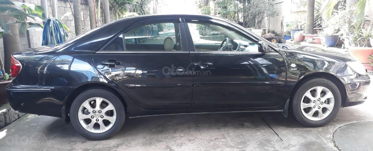 Xe Toyota Camry đời 2005, màu đen mới 95% giá chỉ 375 triệu đồng (1)