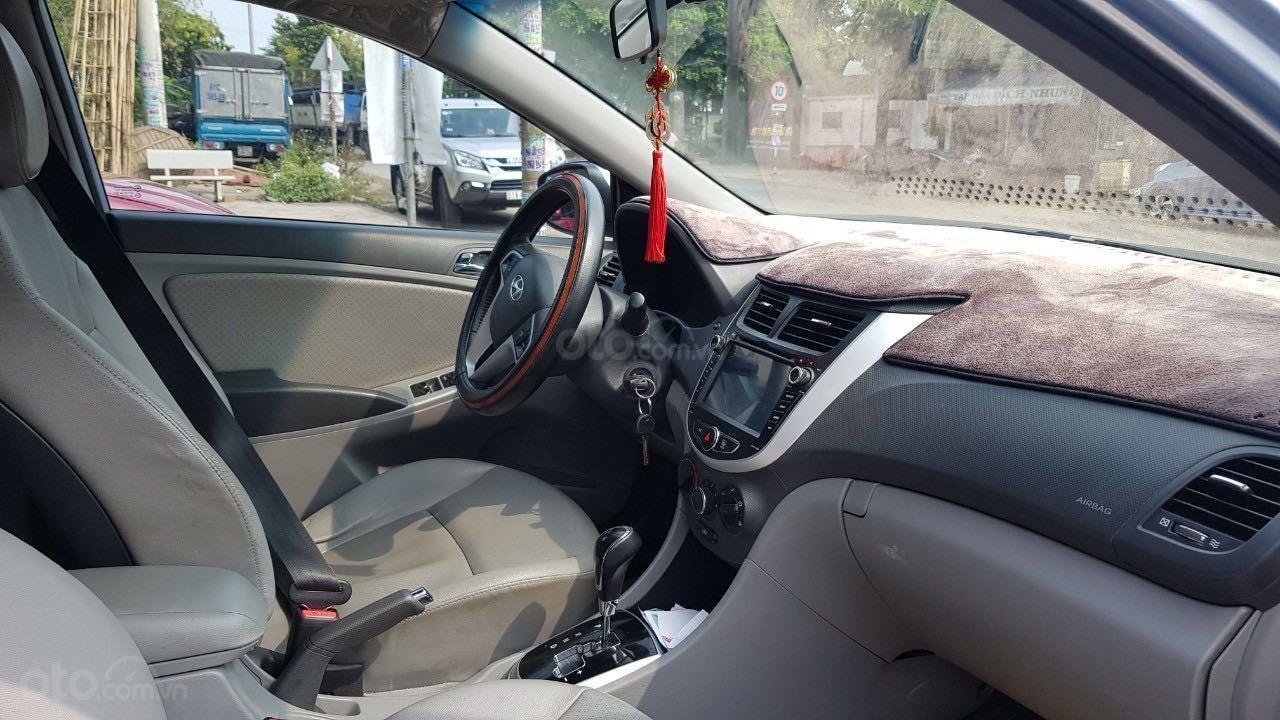 Bán xe Hyundai Accent năm 2012, màu xanh lam xe gia đình giá tốt 380 triệu đồng (5)