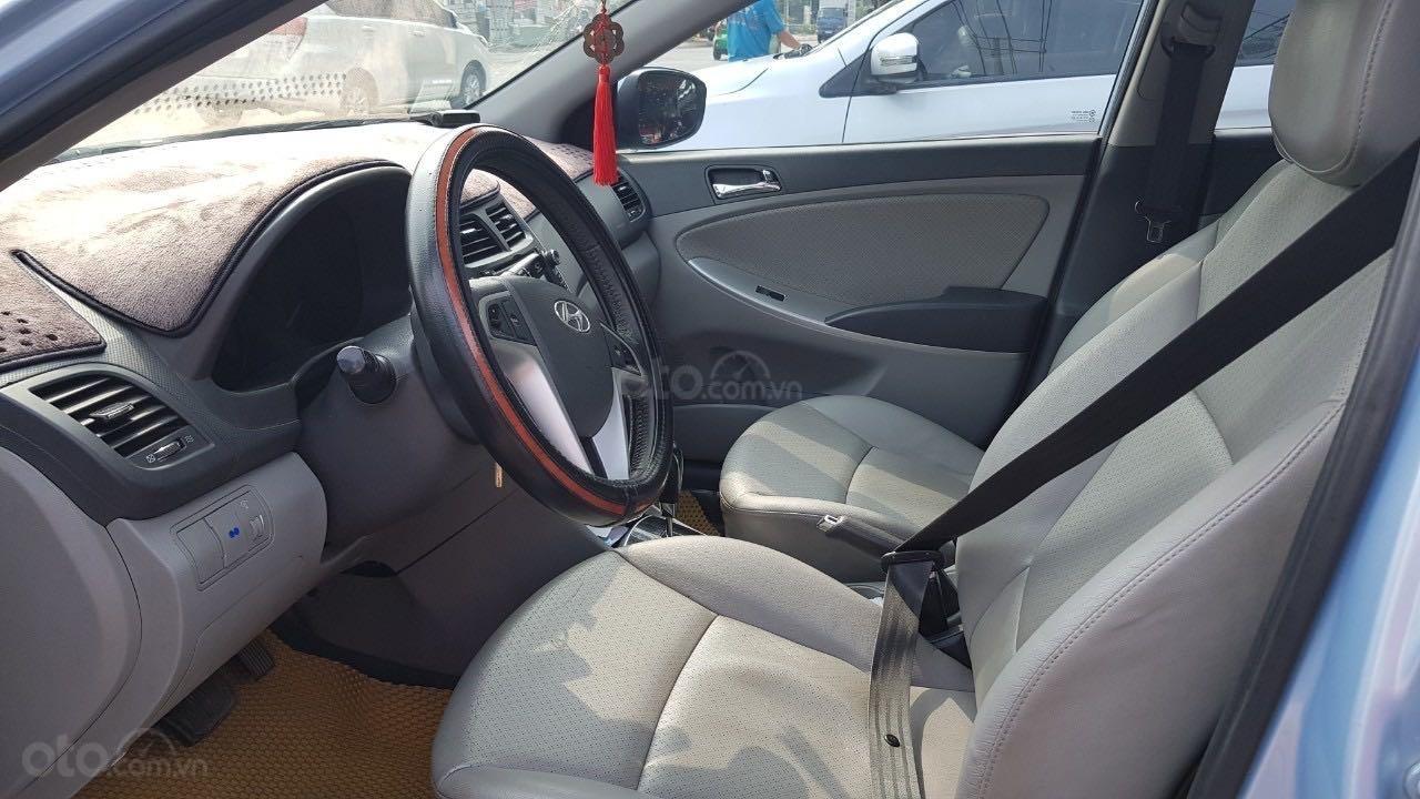 Bán xe Hyundai Accent năm 2012, màu xanh lam xe gia đình giá tốt 380 triệu đồng (7)