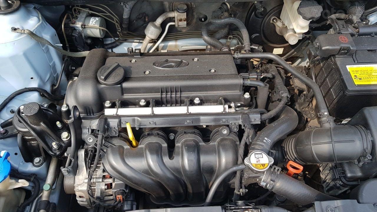 Bán xe Hyundai Accent năm 2012, màu xanh lam xe gia đình giá tốt 380 triệu đồng (9)