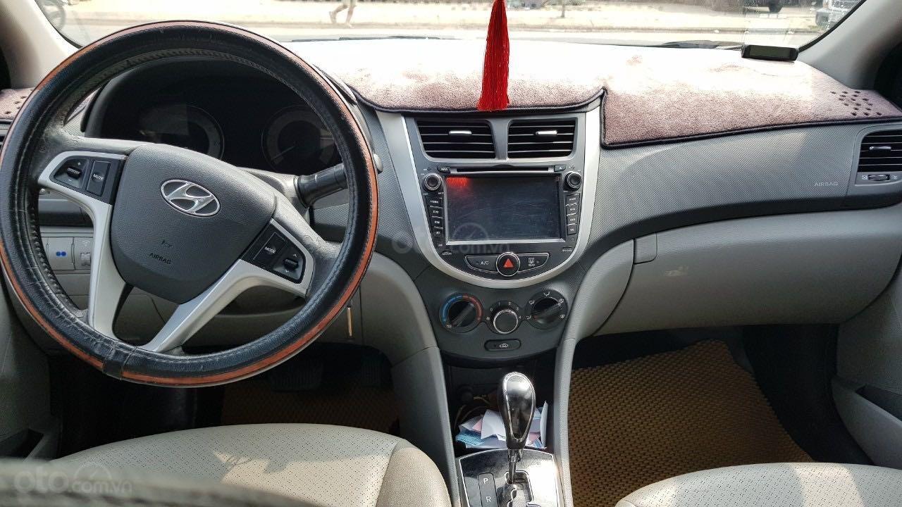 Bán xe Hyundai Accent năm 2012, màu xanh lam xe gia đình giá tốt 380 triệu đồng (6)