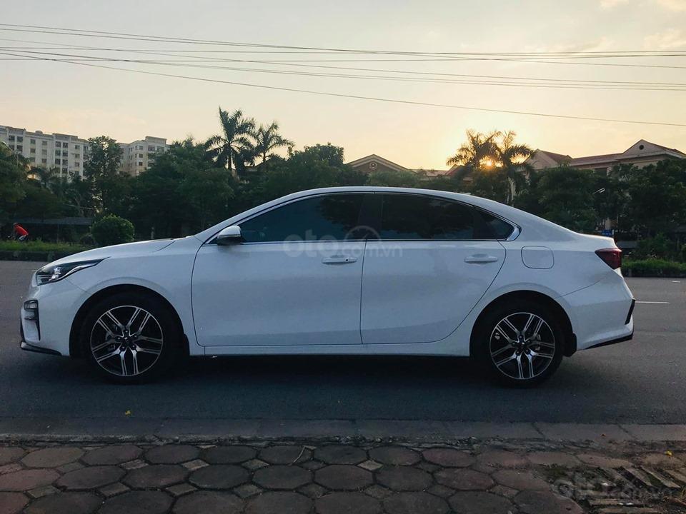 Kia Cerato 2.0 AT Premium màu trắng sản xuất 05/2019 tên tư nhân (8)