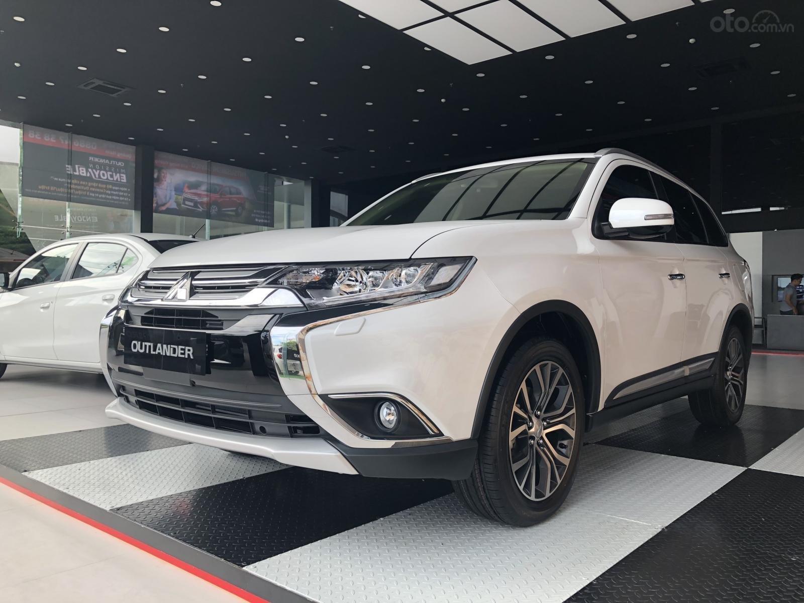 Mitsubishi khuyến mại tháng 11/2019: Mitsubishi Pajero Sport giảm gần 100 triệu đồng a2