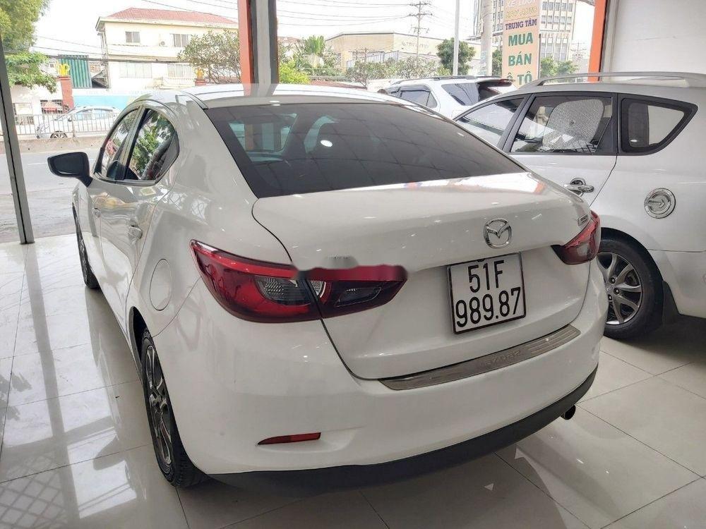 Cần bán gấp Mazda 2 sản xuất 2016, màu trắng chính chủ, giá 465tr xe nguyên bản (4)