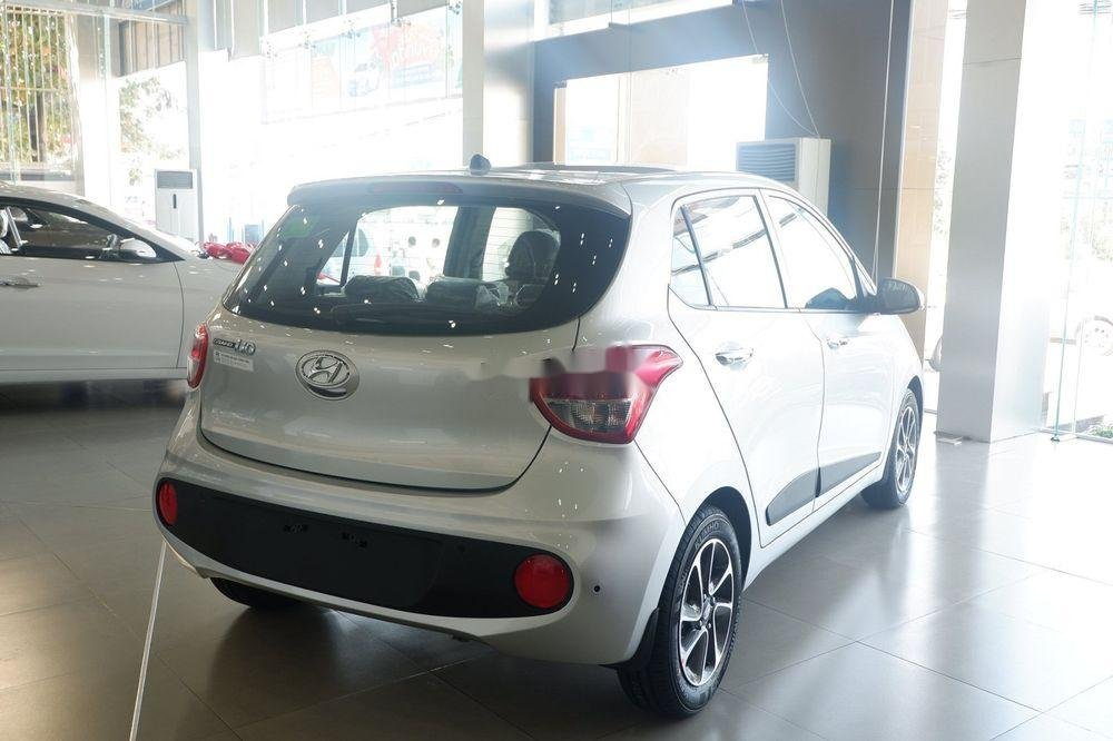 Bán xe Hyundai Grand i10 đời 2019, màu bạc, giá tốt (3)