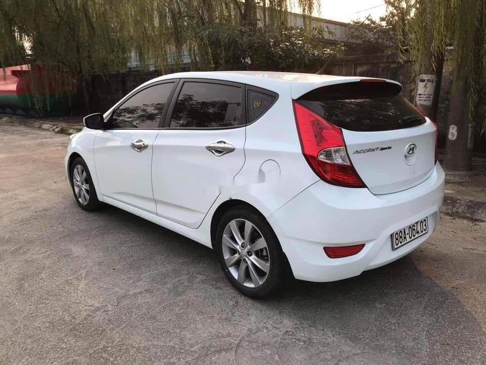 Cần bán Hyundai Accent sản xuất năm 2019, màu trắng, nhập khẩu (3)