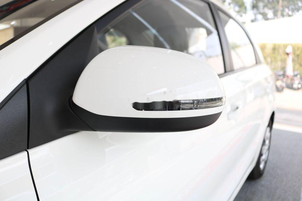 Bán ô tô Kia Soluto 2019, màu trắng, giá 399tr (6)