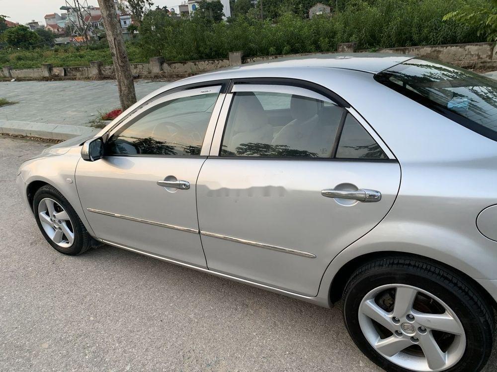 Cần bán xe Mazda 6 2003, màu bạc xe gia đình, giá tốt (1)