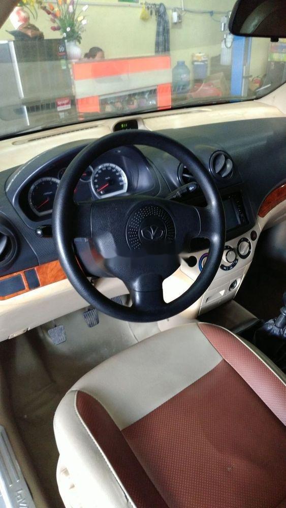 Cần bán lại xe Daewoo Gentra đời 2009, màu bạc chính chủ xe nguyên bản (3)