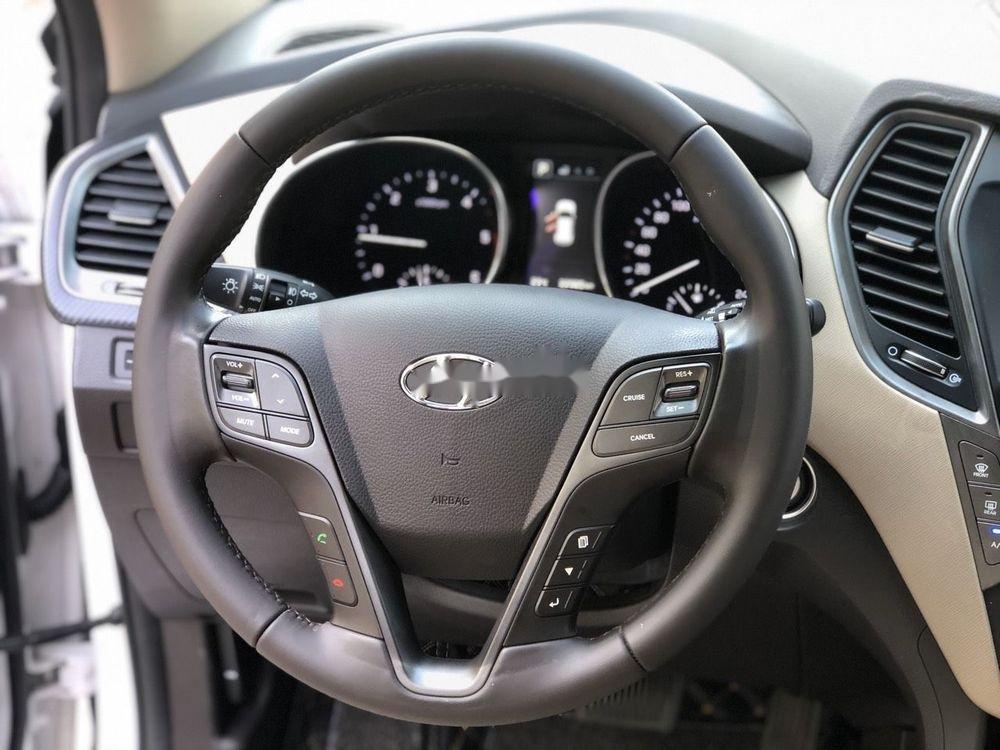 Cần bán Hyundai Santa Fe sản xuất 2018, màu trắng xe nguyên bản (5)