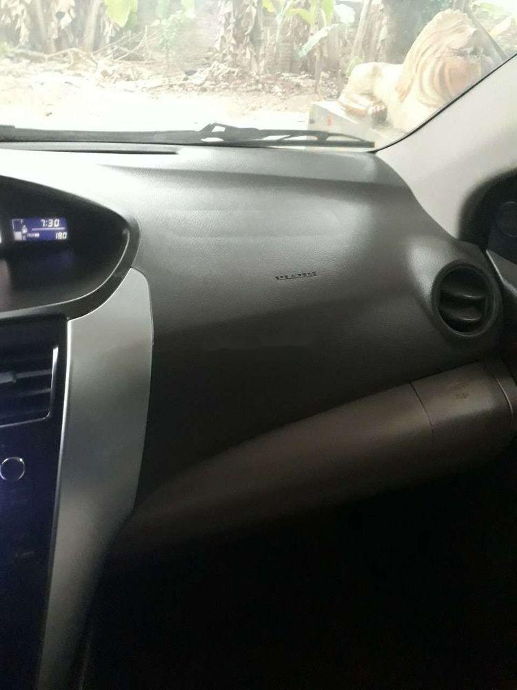 Bán xe Toyota Vios sản xuất 2013, màu bạc xe nguyên bản (4)
