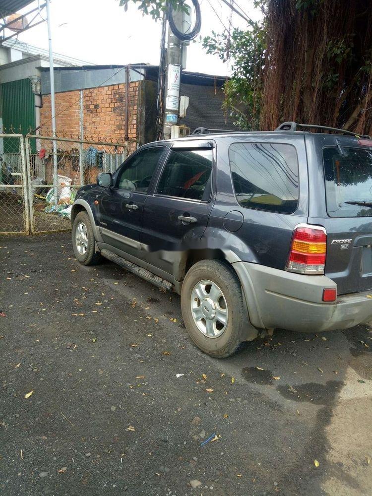 Bán ô tô Ford Escape đời 2004, màu xám, ai có nhu cầu xin liên hệ (3)