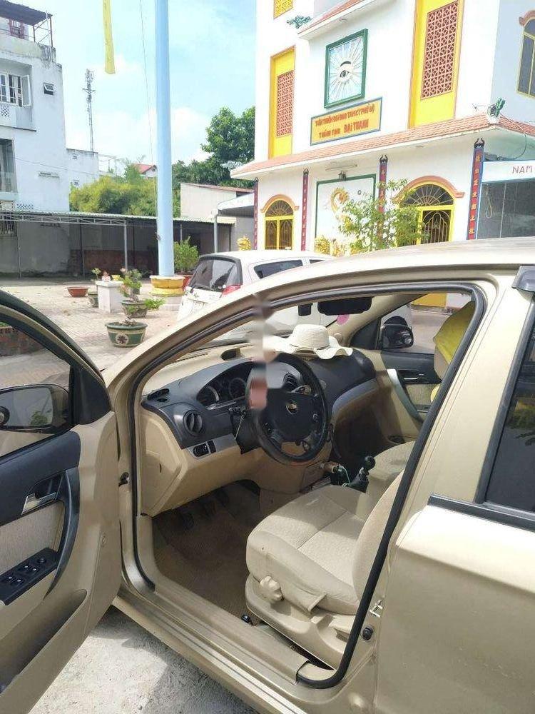 Cần bán Chevrolet Aveo đời 2016, màu vàng, xe gia đình, giá 295tr (7)