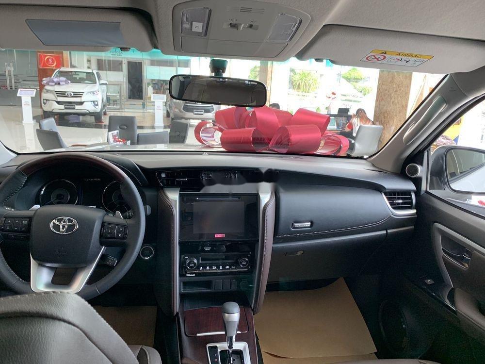 Cần bán xe Toyota Fortuner đời 2019, màu trắng, giá tốt (4)