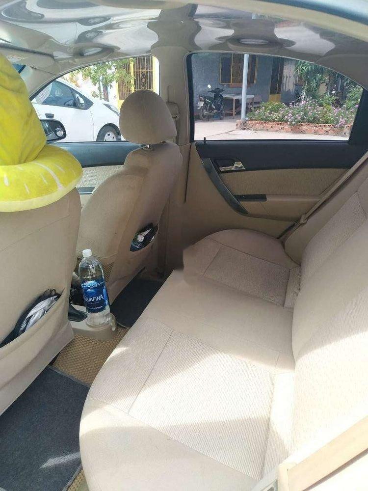 Cần bán Chevrolet Aveo đời 2016, màu vàng, xe gia đình, giá 295tr (5)