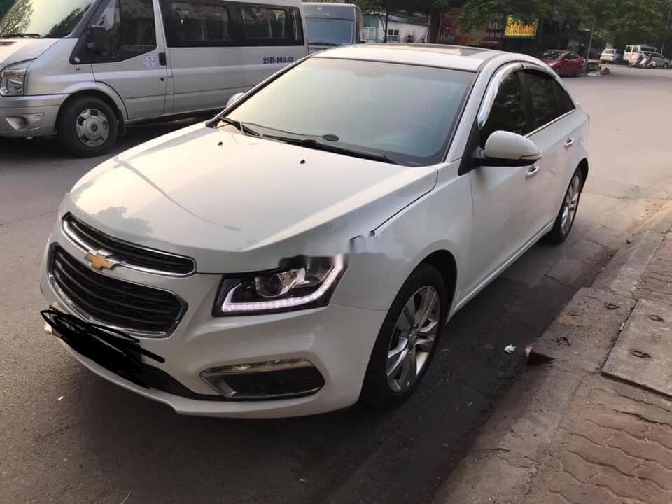 Bán Chevrolet Cruze năm 2018, màu trắng chính chủ xe nguyên bản (1)