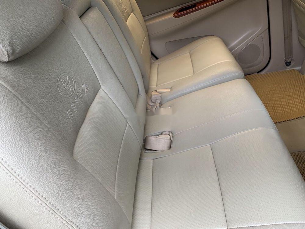 Cần bán Toyota Innova 2008, màu bạc số sàn xe nguyên bản (5)
