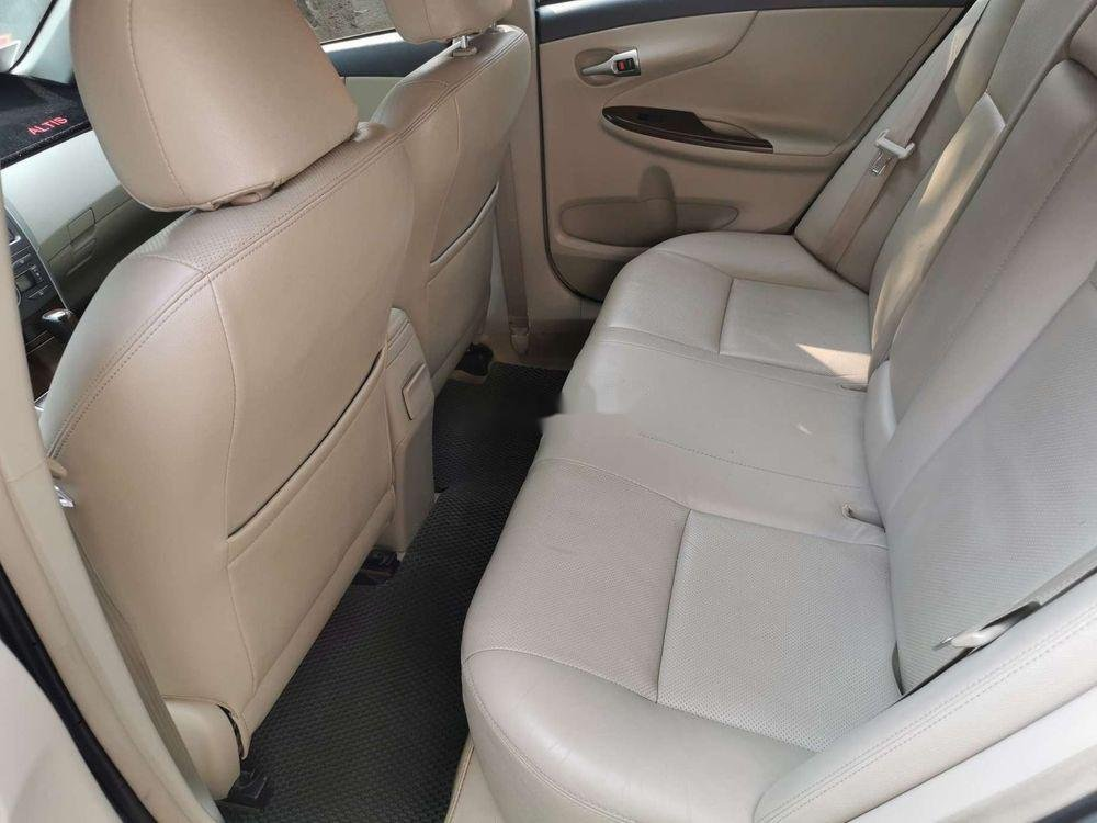 Cần bán gấp Toyota Corolla Altis 2.0V 2011, nhập khẩu nguyên chiếc (5)