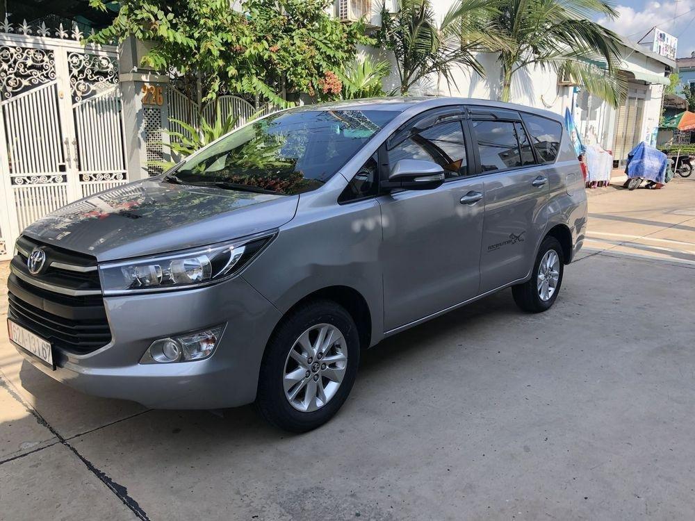 Bán Toyota Innova năm 2017, nhập khẩu nguyên chiếc, giá tốt (1)