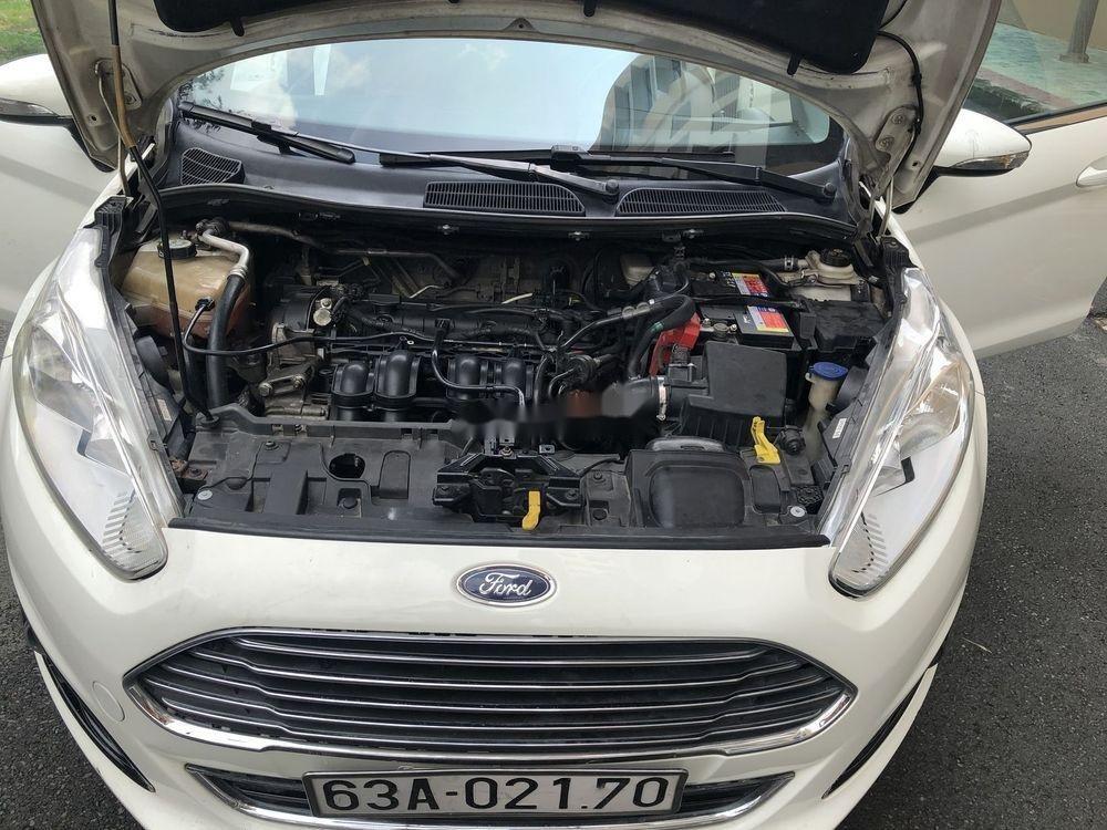 Cần bán gấp Ford Fiesta năm sản xuất 2014, xe nguyên bản (5)