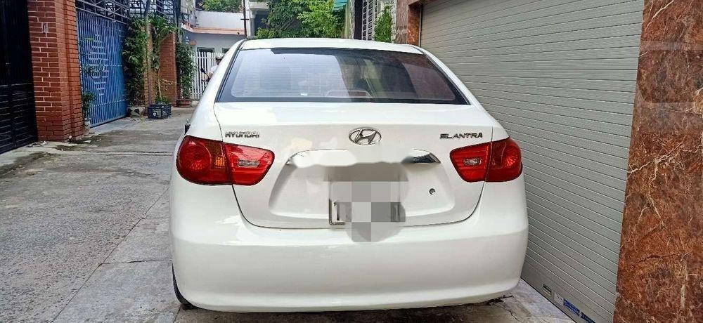 Bán Hyundai Elantra đời 2011, màu trắng, nhập khẩu, xe gia đình (3)