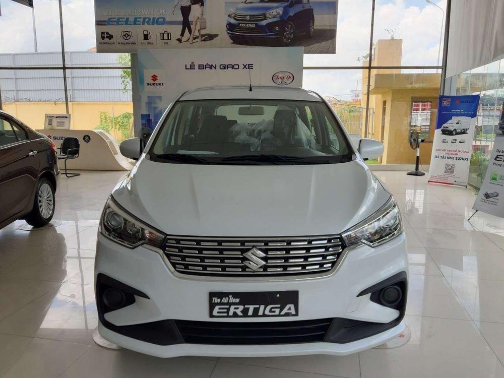 Bán Suzuki Ertiga đời 2019, màu trắng, nhập khẩu nguyên chiếc (1)