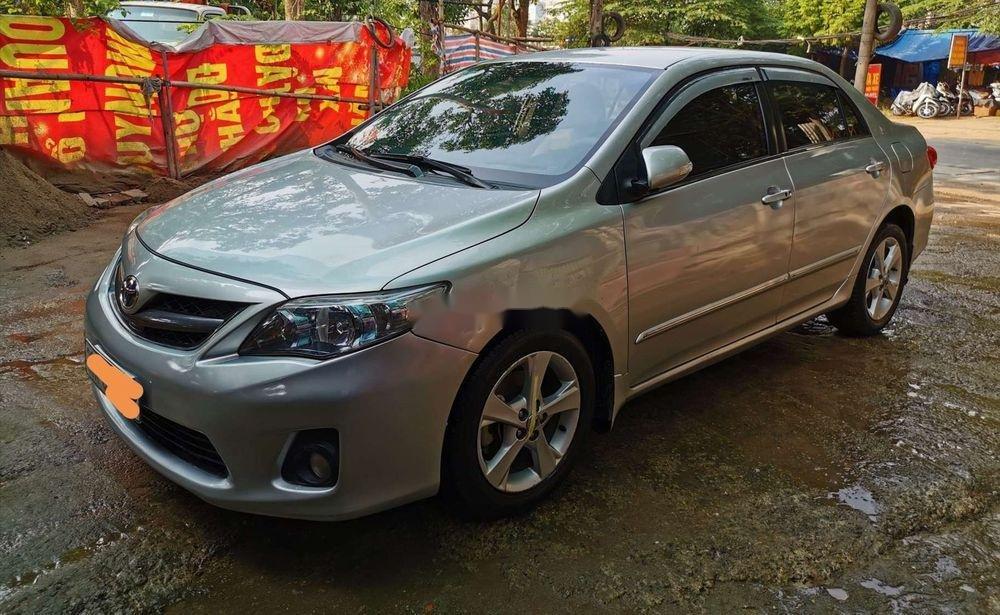 Cần bán gấp Toyota Corolla Altis 2.0V 2011, nhập khẩu nguyên chiếc (1)