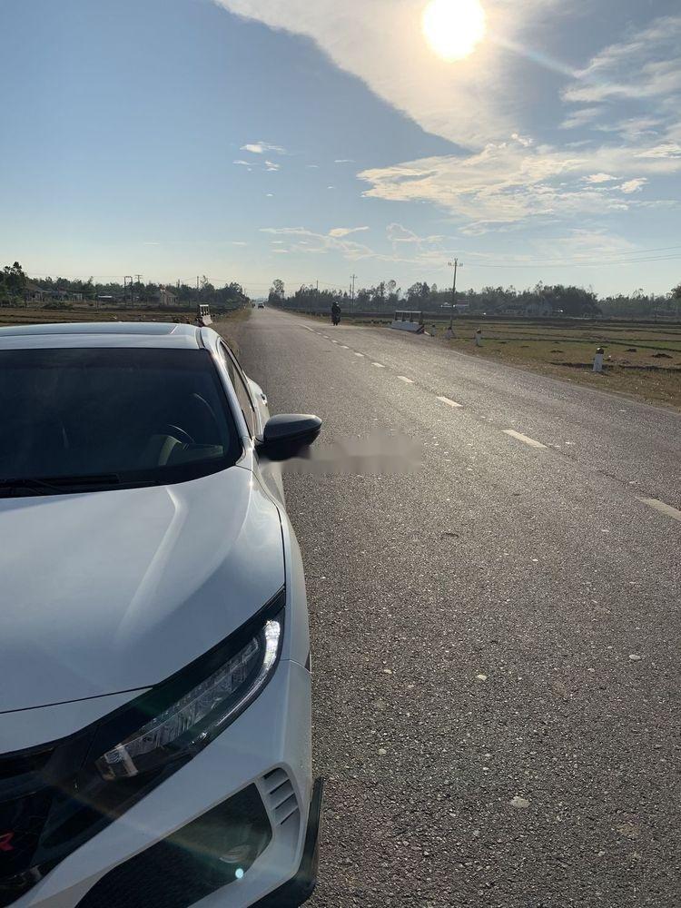 Bán Honda Civic đời 2017, màu trắng, nhập khẩu   (1)