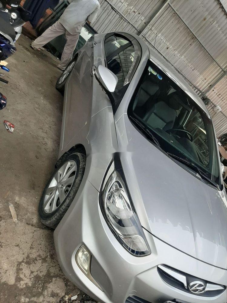 Cần bán xe cũ Hyundai Accent năm 2011, màu bạc giá cạnh tranh (4)