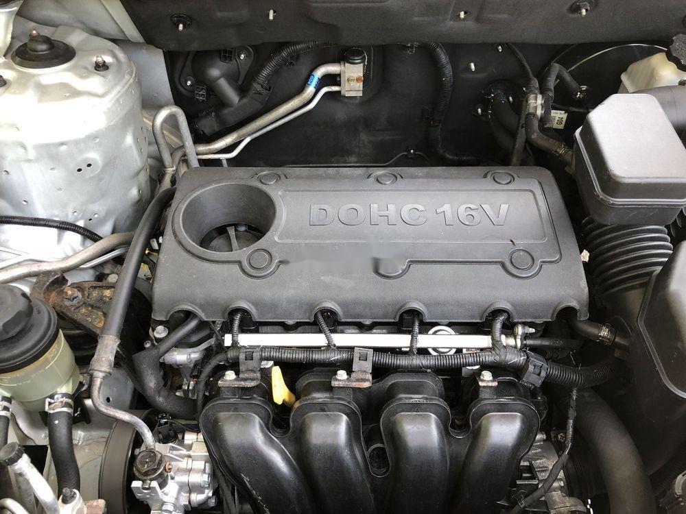 Cần bán gấp Kia Sorento sản xuất năm 2013, màu bạc xe gia đình xe nguyên bản (11)